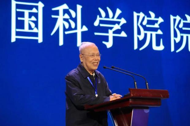 姜伯驹院士在中国数学会数学教育研讨会的发言