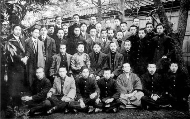 为什么甲午战争之后,日本会允许那么多中国留学生进入日本的军校学习?