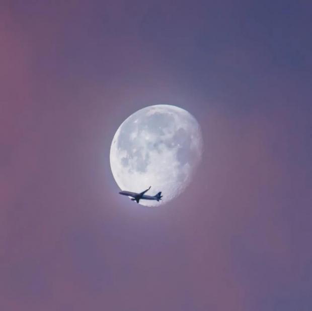胡泳:重构地球——我们这代人的登月行动