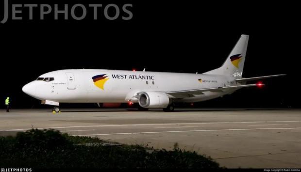 这个737落地多少个G:这不是落在跑道上,这就是摔在跑道上