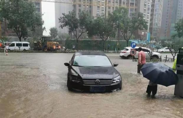 河南特大暴雨亲历者:我是研究气候的,都没有想到……