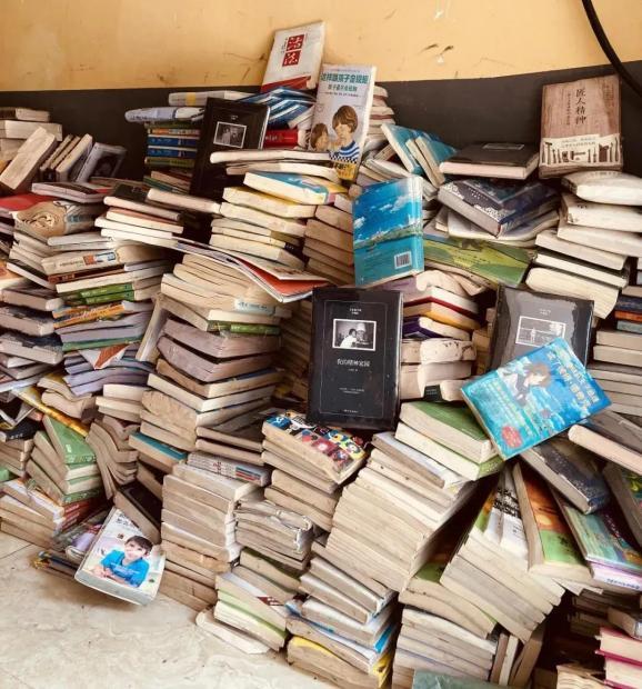 新乡这家书店被淹,被泡的1000本书决定免费送,一个小书店一生的故事