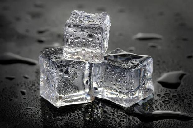我敢打赌,你从没见过这么弯的冰