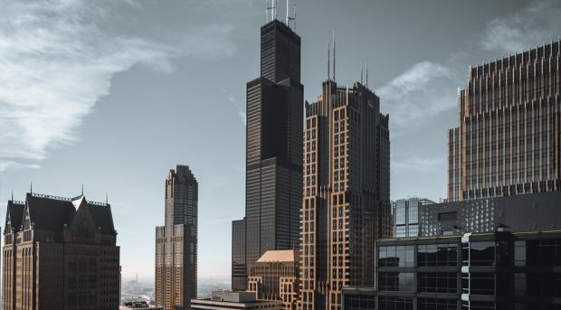 绿城中国:上半年逆市拿地 负债规模近4千亿元